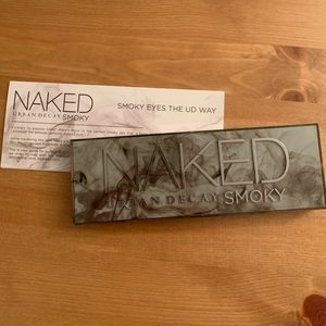 Urban Decay NAKED Smoky palette!
